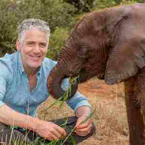 Gordon Buchanan - Animal Families and Me
